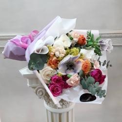 Gracias por la preferencia💕 #rosa #minirosas🌹 #anémona #eucaliptu #solidago #miniclaveles #ranuculous #floresacasa #floresadomicilio