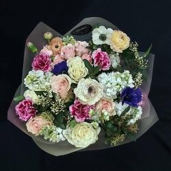 #pedidosadomicilios #ramos #floresnaturales #rosas #minirosas #ranuculos #anemona #alelie #miniclaveles #ramodeflores