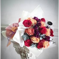 #ramosdeflores #floresadomicilio #ramosderosas #regalaflores #despachosadomicilio #rosas #alstroemerias #eucaliptus #limonium