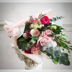 El ramo preferido 💕#ramosdeflores #ramosadomicilio #rosas #minirosas #eucaliptus #lisianthusflowers #ranuculus #wax