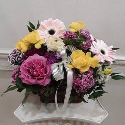 🌸🌼🌻🌷🥀🌿#arregloencanasta #rosas #gerberas #ranuculos #minirosas #clavelina