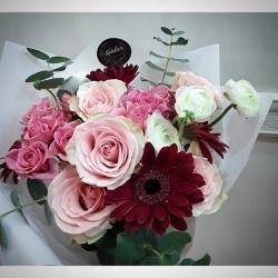 Gracias por la preferencia #rosas #minirosas #eucaliptus #ranunculus #gerberas