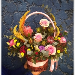 Gracias por la preferencia~#canastosdemimbre  #floresencanastas #delivery #floresnaturales #leucadendron #pinkiceprotea #aloevera #clavelinajaponesa
